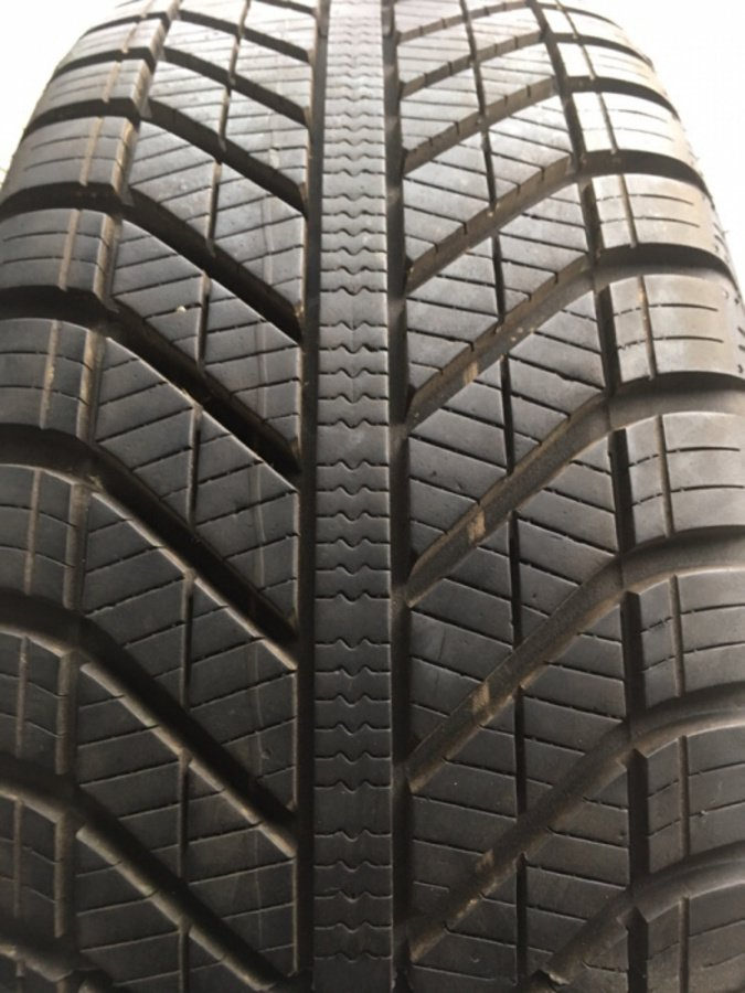 Opona 205/55/16 Goodyear Vector All Seasons 8mm