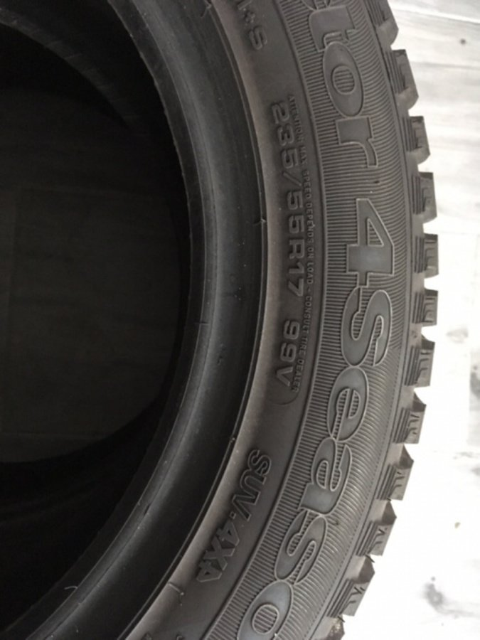 Goodyear Vector 4 Seasons 235/55/17