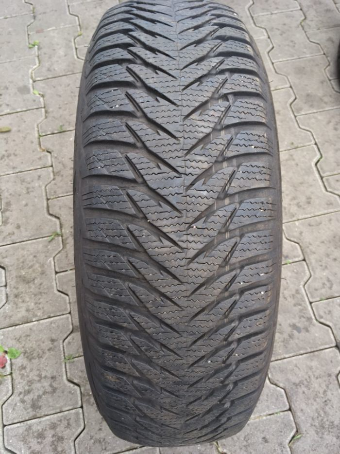 opona Goodyear Ultragrip 8 195/65/15 7,5mm