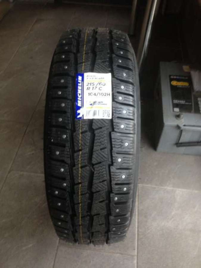 opona Michelin Agilis X-ice North 215/60/17 C 104/102h